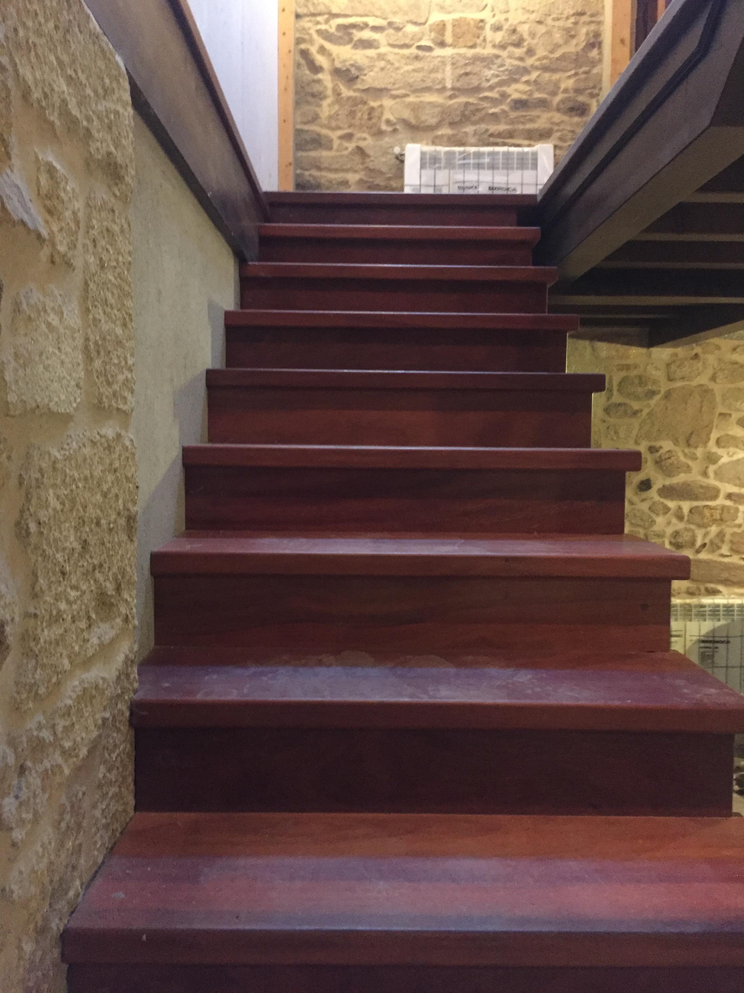 escaleras casa rural paradela