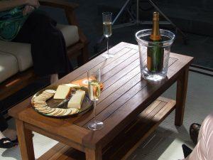 mesa comida y bebida Paradela